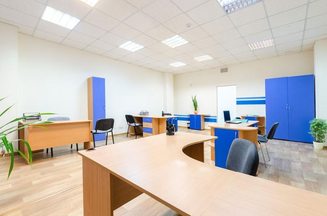 Этаж офисов (7 кабинетов + кухня + санузлы) м. Льва Толстого