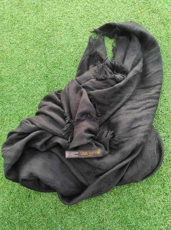 Duża czarna chusta z logo LV