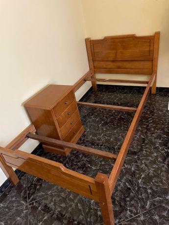 Cama de Solteiro com Mesa de Cabeceira