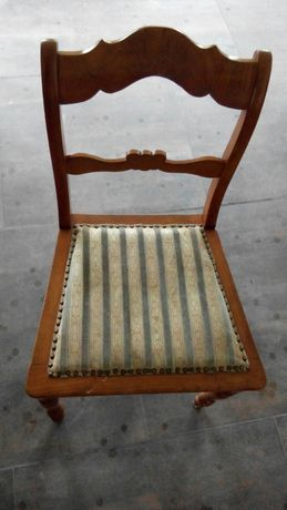 Krzesla 4 szt. 800zl. Cena do negocjacji