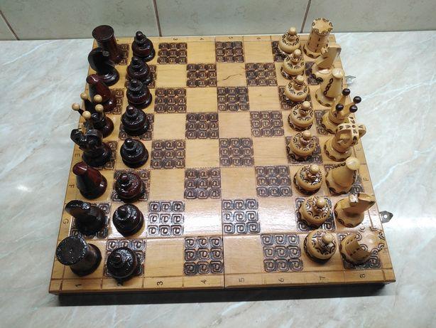 Stare szachy drewniane, królewskie