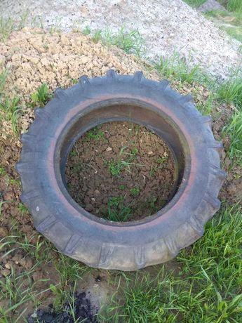 Opona od Traktora - tył