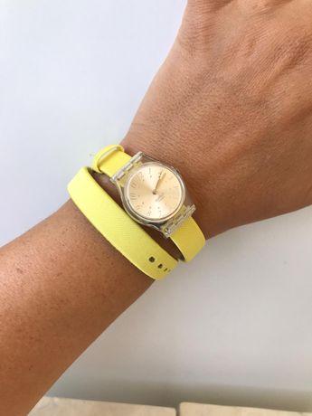 Relógio senhora SWATCH c 3 braceletes