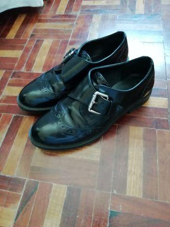 Sapato preto mulher