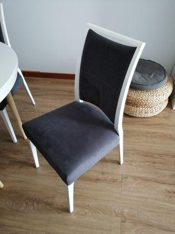 Vendo quatro cadeiras de jantar