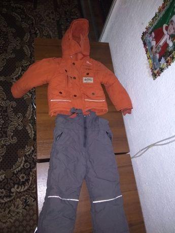 Продам теплый костюм2-3года