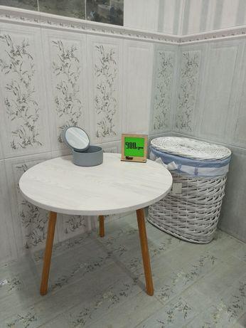 Журнальный столик в скандинавском стиле. Натуральное дерево