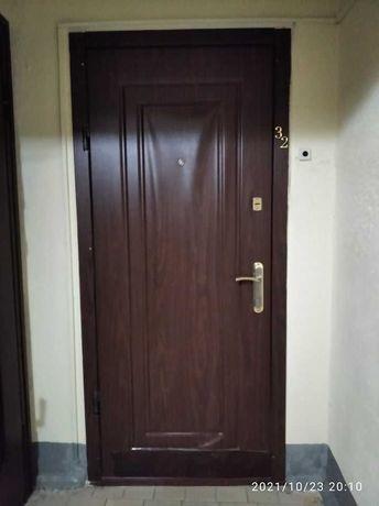 Вхідні металеві двері з МДФ накладкою
