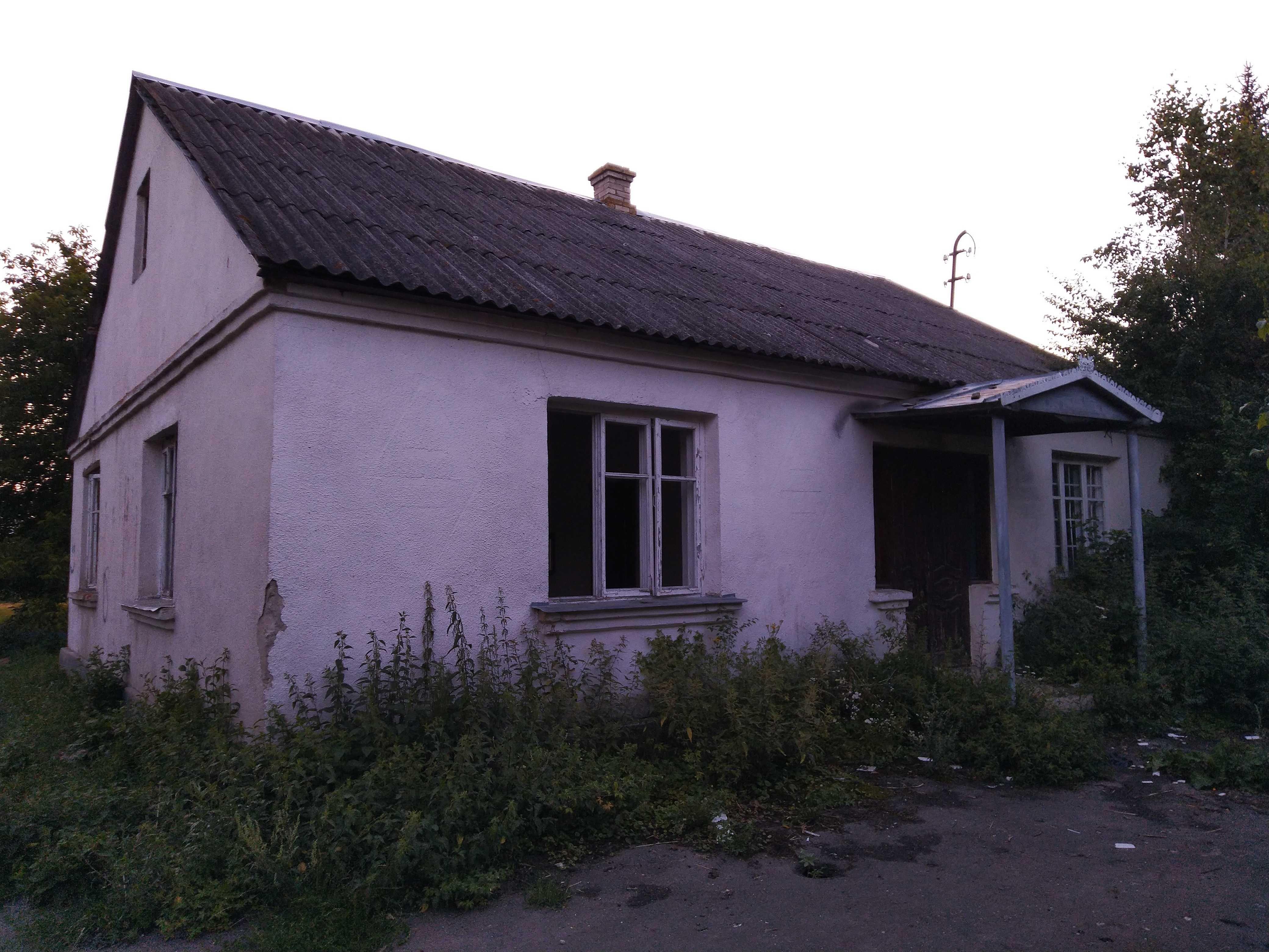 Будівля під будинок