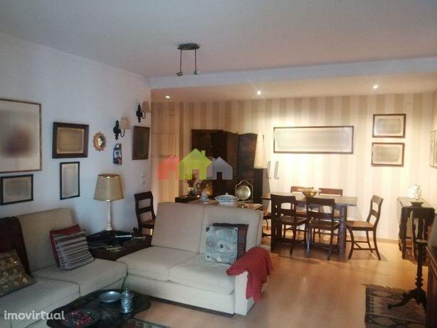 Apartamento T1 no condomínio da Torre, na Alta de Lisboa-Lumiar