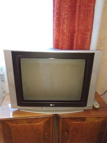 Телевизор LG c плоским экраном