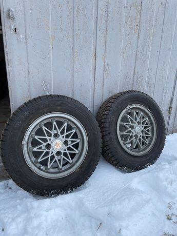 2 зимних шипованных колеса 175/70 R13 (шины+диски)