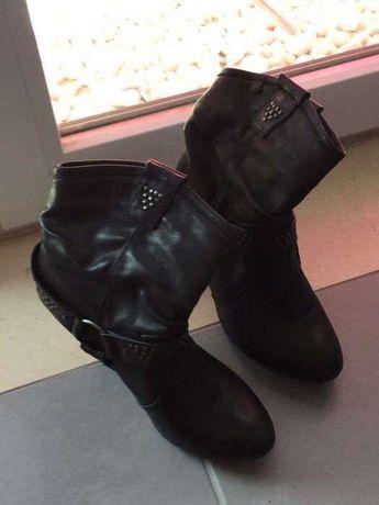 Botas e Sapatos Berskha
