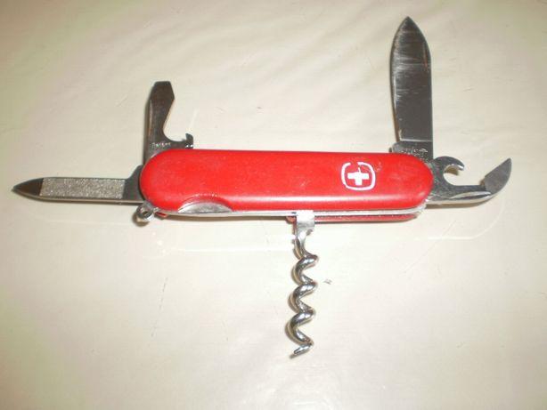Canivete suiço, médio, original.