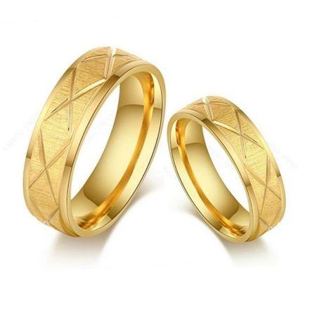 Olśniewający Komplet Złotych Obrączek Ślubnych Diamentowane Nacięcia