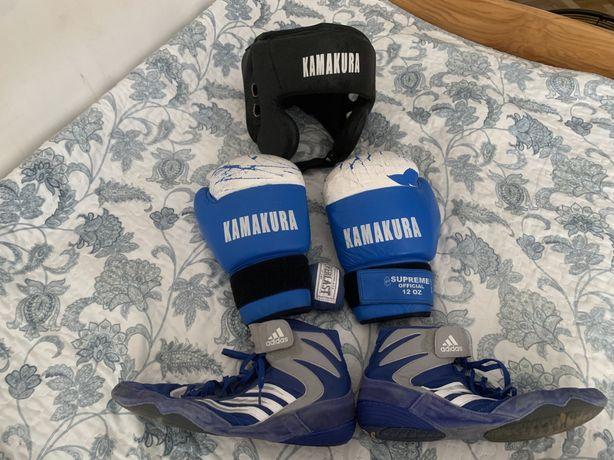 Продам боксерские перчатки, шлем боксерский и кроссовки для бокса