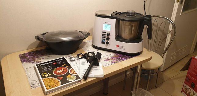 Robot kuchenny z funkcją gotowania