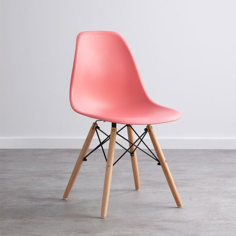 Cadeiras nórdicas ( valor unitário)