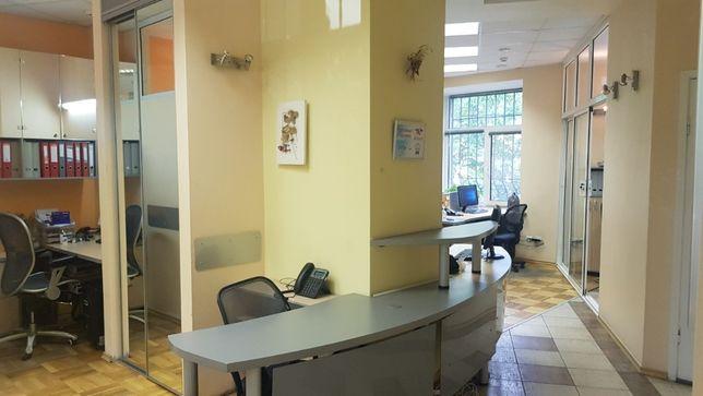 офис с мебелью 65 м. центр. нежилой. отдельный вход с улицы