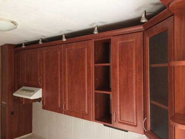 Zestaw szafek kuchennych wiszacych