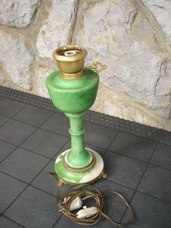 Candeeiro verde antigo com casquilho