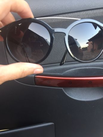 Oculos de sol massa pretos Vogue