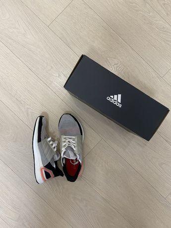 Кроссовки Adidas , адидас