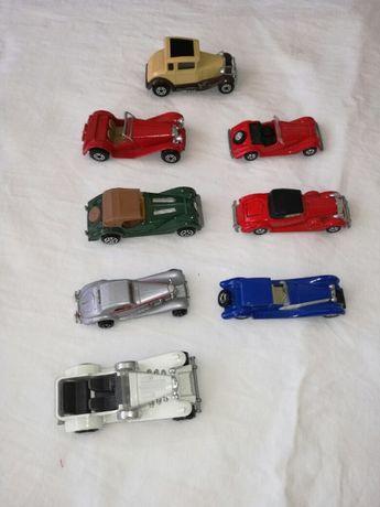 Coleção de carros antigos em metal