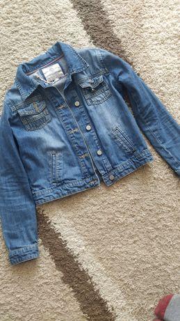 Бомбезна джинсова курточка на 12-13 років