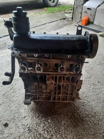 Двигун, двигатель, мотор golf 4 1.6 AKL