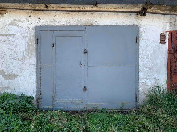 Продається цегляний гараж в кооперативі , з ямою- підвалом.