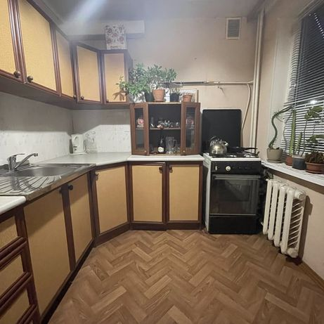 Продам 1-но кімн. квартиру на Воєнстрої .