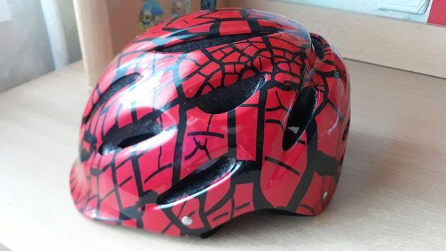 Детский защитный шлем.