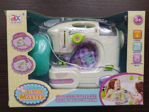Детская швейная машинка Little Master