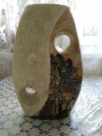 Красивая ваза в японском стиле