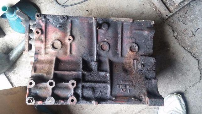 Блок цилиндров Rover 820 2,0 бензин