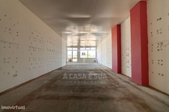 Loja com 238 m2 perto da estação de Ovar