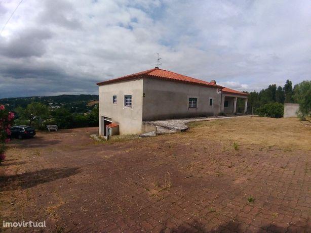 Moradia T3- Albufeira de Castelo de Bode