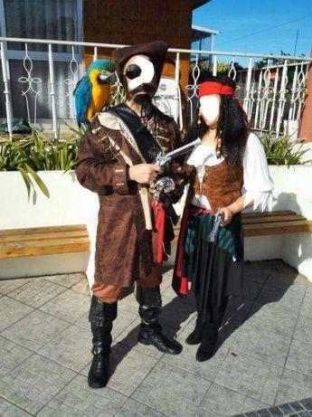 Trajes/fantasias de carnaval ou passagem de ano, casal (pirata)