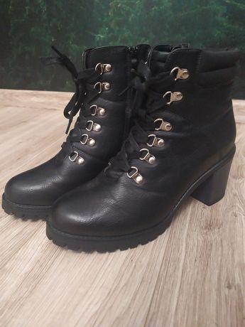 Buty botki kozaczki czarne Sinsay r. 40
