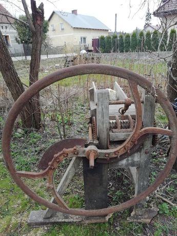 Sieczkarnia zabytek i inne stare narzędzia