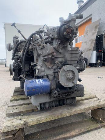 Silnik spalinowy diesla Kubota Carrier Supra