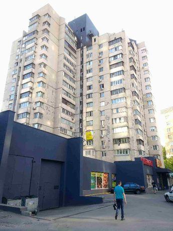 Продам 1/2 часть 4-х комнатной квартиры Киев Соломенская 16Б