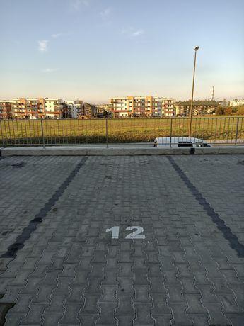 Miejsce parkingowe Zalewskiego 9