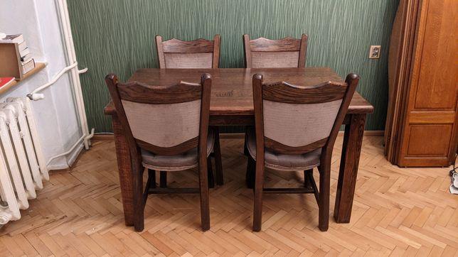 Stół drewniany 140x85 cm z czterema krzesłami