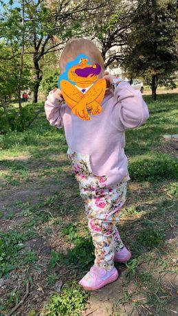 Обалденный костюм на девочку на весну(тонкий) 86-92 см