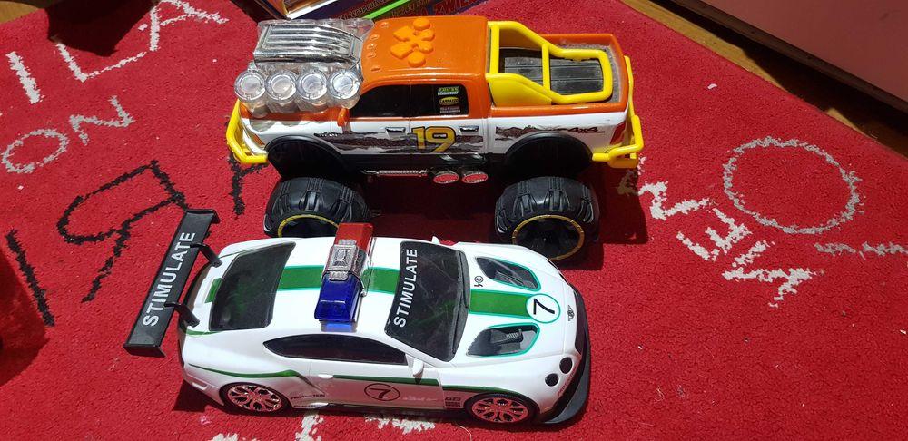 Samochód monster truck i ambulans z dźwiękiem po 5 zł Sochaczew - image 1