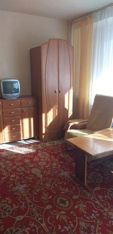 Wynajmę jeden duży pokój w 3-pokojowym mieszkaniu.Świetna lokaliz