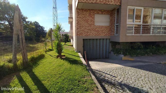 Apartamento T2 c/ garagem individual Vila de Prado