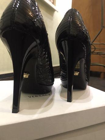 Туфли женские Versace